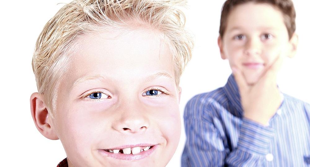 Zwei Jungs Symbolbild