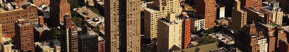 Häuser und Hochhäuser