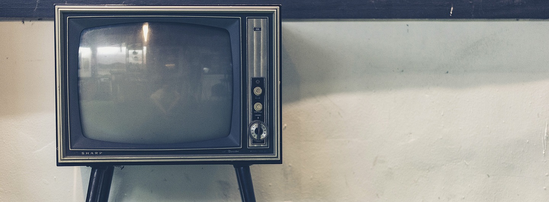 alter Fernseher, Symbolbild für Programmhinweise und Fernsehtipps